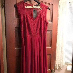 Dresses & Skirts - Floor length bridesmaid dress. NEVER WORN